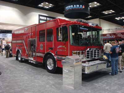 (26) This Ferrara unit had the narrow Hale QMax-XS 28-inch pump house, allowing for maximum use of compartment space. It also had an automated pump panel, allowing operation from either side of the unit.!