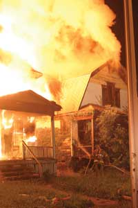 (4) Level 2: Firefighters arrive to find a rapidly spreading fire in a vacant frame building.