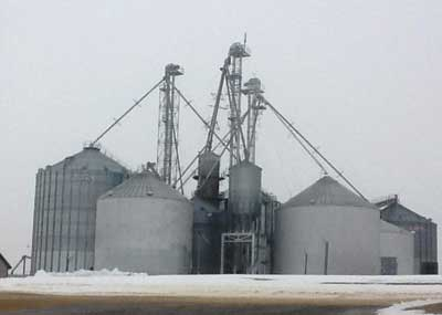 A grain farm setup. (Photos by author.)