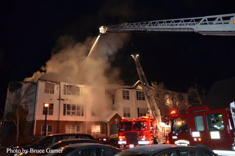 Chattanooga (TN) Firefighters Brave Frigid Weather to Battle Apartment Fire