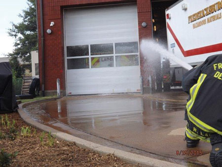 (9) The water is applied in the same manner, only this time personnel use a 15⁄16-inch smooth bore nozzle pumping at 40-psi nozzle pressure. Pumping the line at this nozzle pressure gave us a flow of approximately 165 gpm.