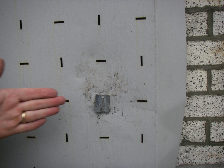 (14) A cable-type VPS, outside view.