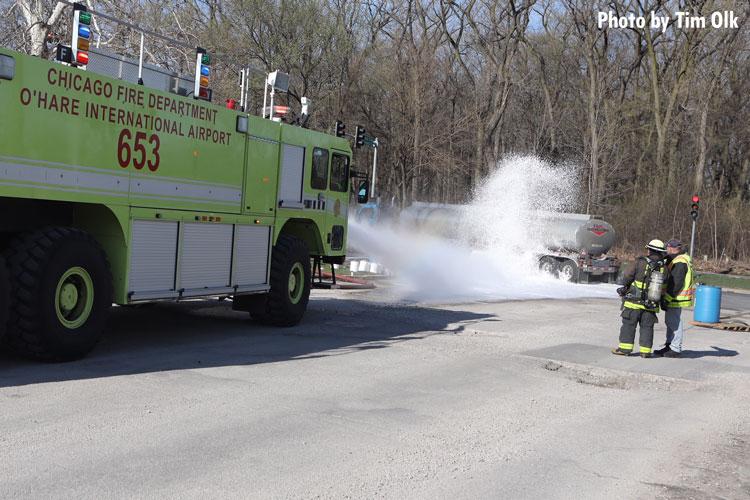 Chicago apparatus sprays foam on gasoline tanker