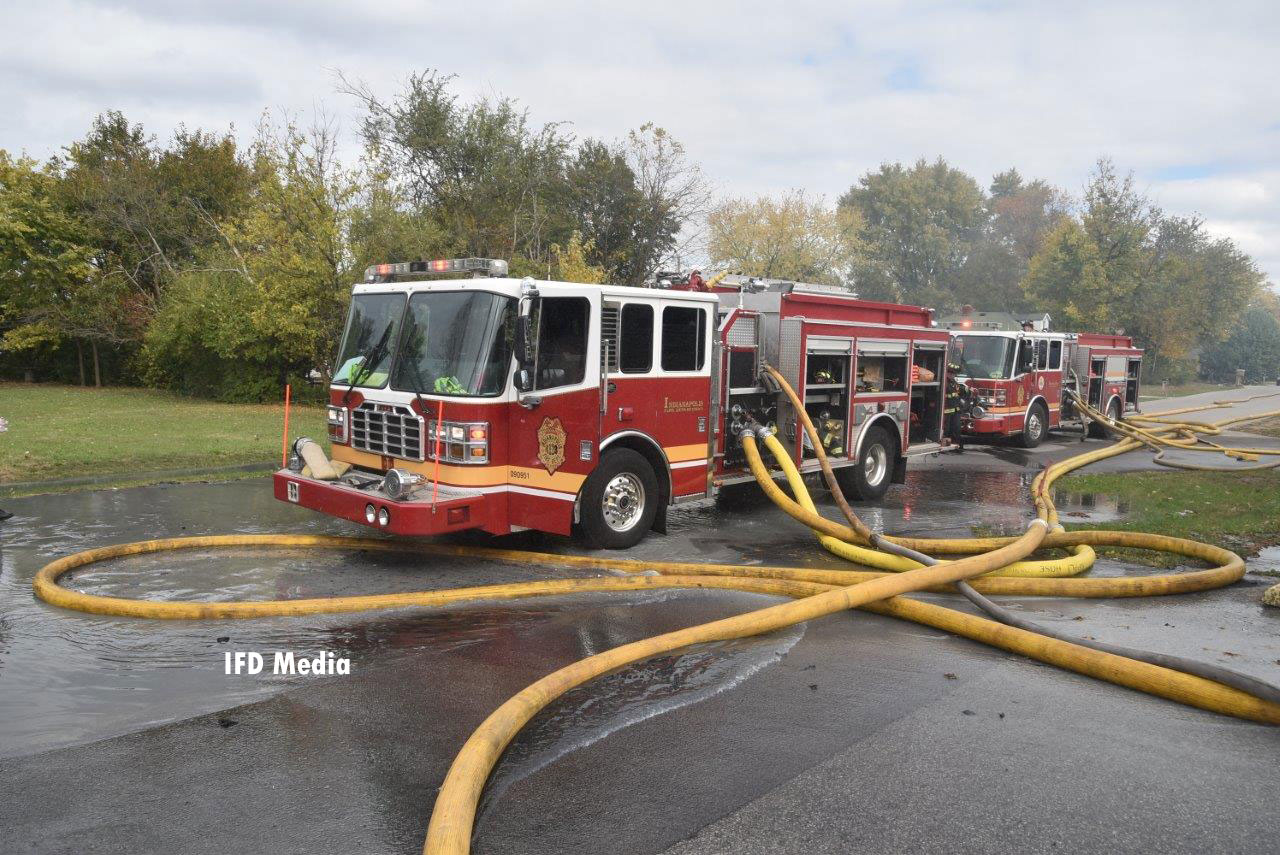 Indianapolis fire apparatus with supply lines