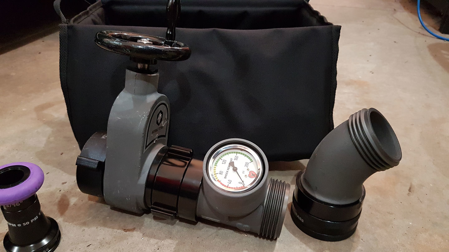 Pressure gauge connected to gate valve