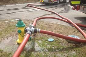 Three-way valve on fire hydrant