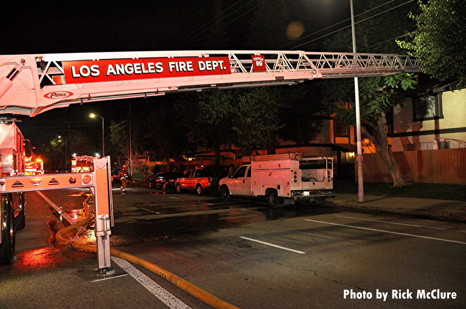 LAFD Truck 89 ladder extended