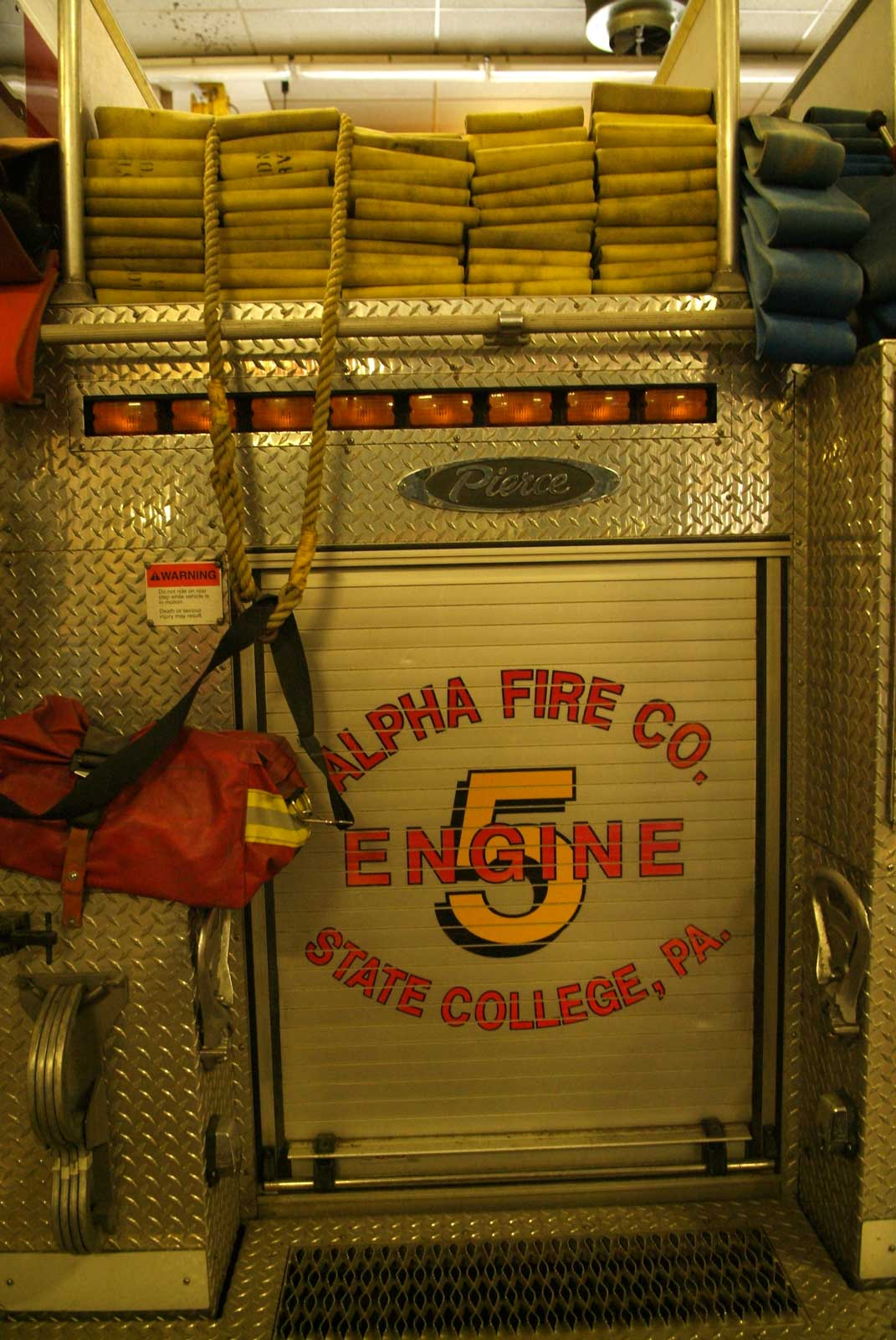 Storing the hydrant kit on a fire apparatus