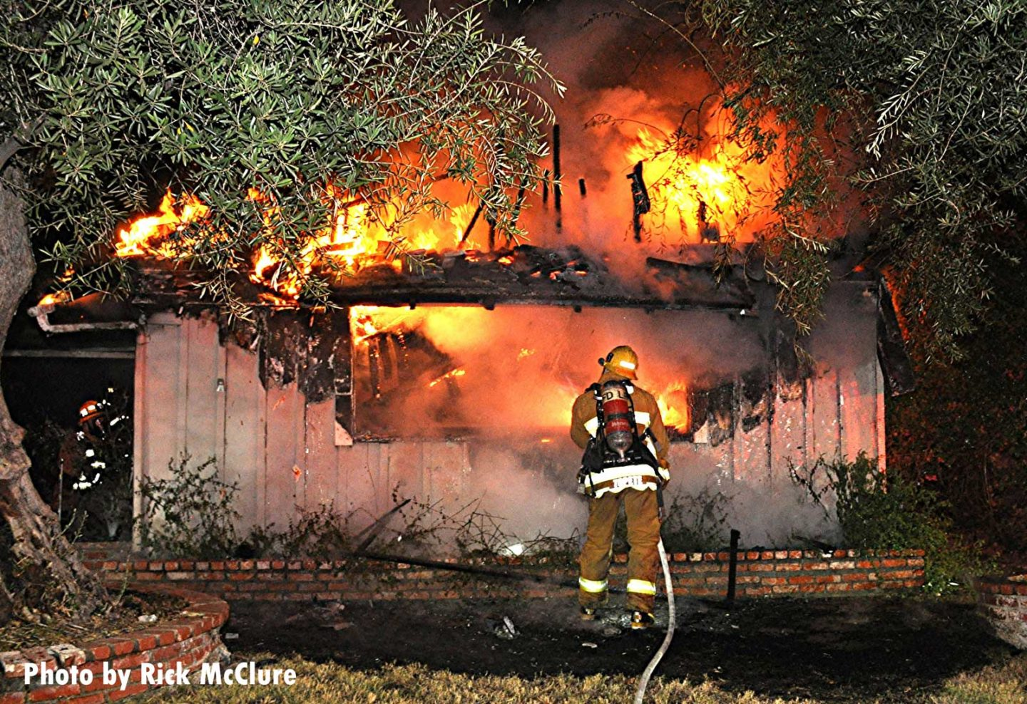 Massive flames rip through structure in Los Angeles
