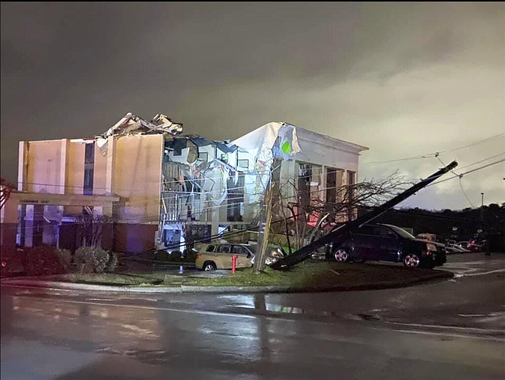 Deadly tornado in Alabama