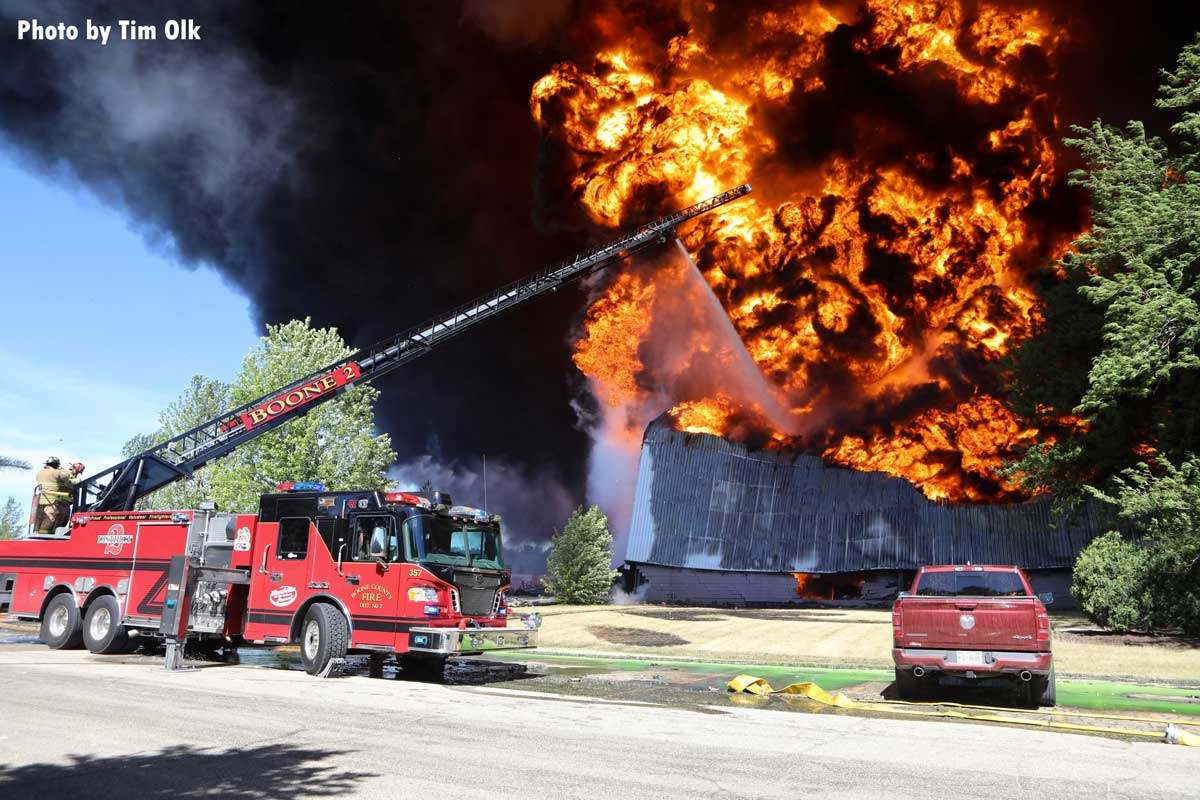 Boone aerial apparatus puts elevated stream on massive flames