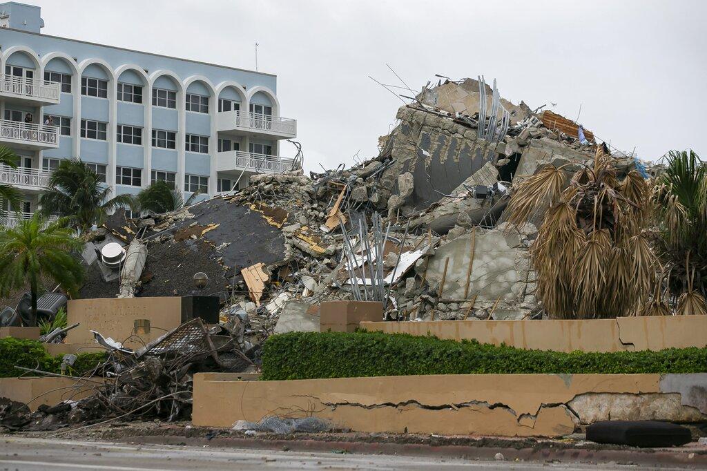 Surfside collapse debris