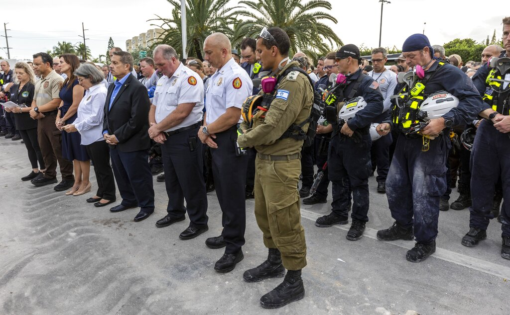 Moment of silence after Surfside Collapse rescue ops end