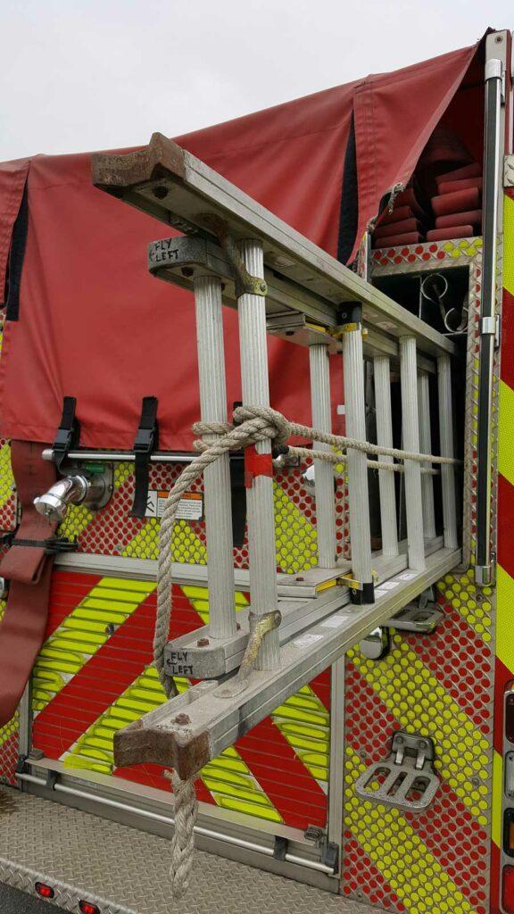 Halyard on ground ladder