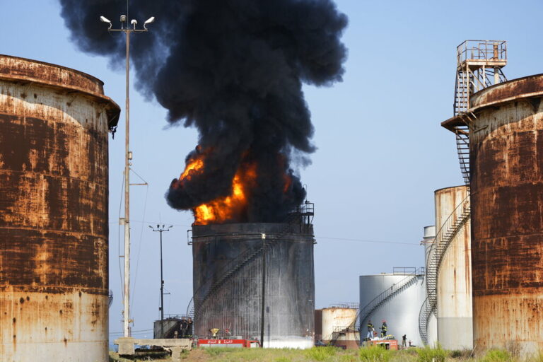 Huge Fire Extinguished at Oil Facility in Southern Lebanon