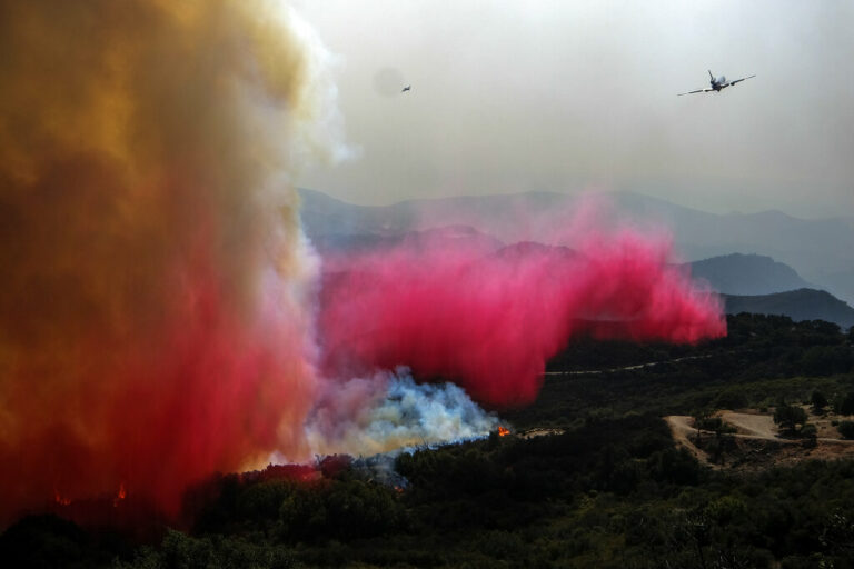 Firefighters Make Progress Coralling Big CA Wildfire