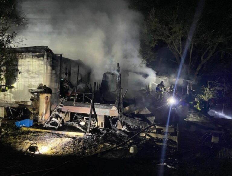 Firefighters Discover Two Dead in FL Mobile Home Fire